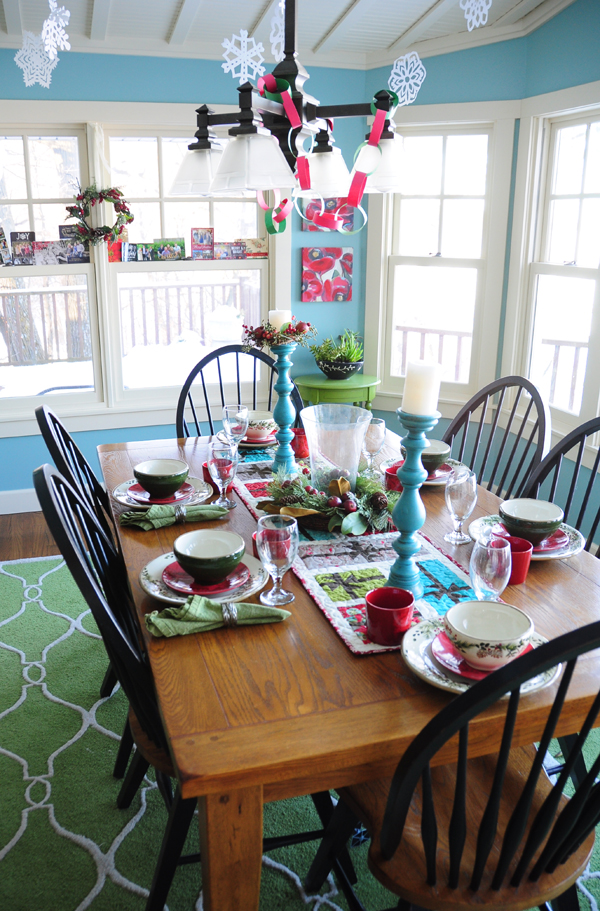 Christmas quilt tour trends and traditions for Dining room quilter